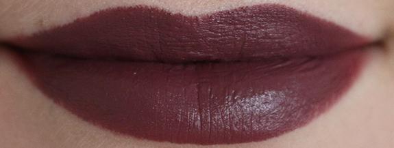 donker_mat_zwart_make-up_studio_lipstick06