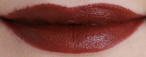 donker_mat_zwart_make-up_studio_lipstick08