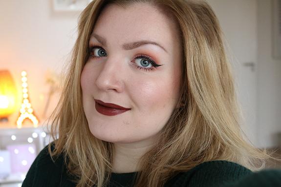 donker_mat_zwart_make-up_studio_lipstick09