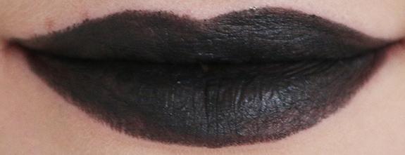 donker_mat_zwart_make-up_studio_lipstick10
