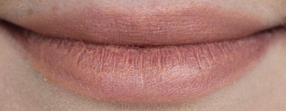 e.l.f._moisturizing_lipstick06