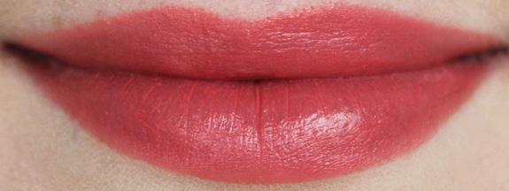 e.l.f._moisturizing_lipstick08