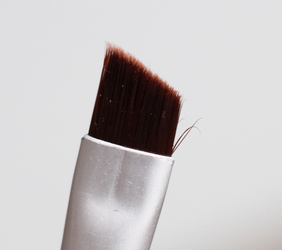 ecotools_wenkbrauwkwast_eyebrow_brush03