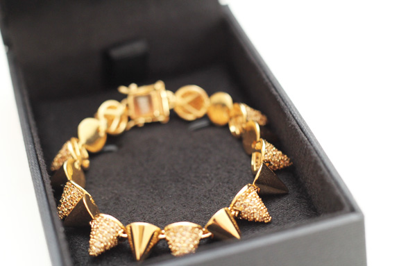 eddie_borgo_cone_bracelet_the_outnet03