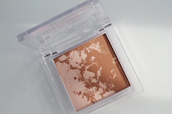 essence_2in1_bronzing_powder06