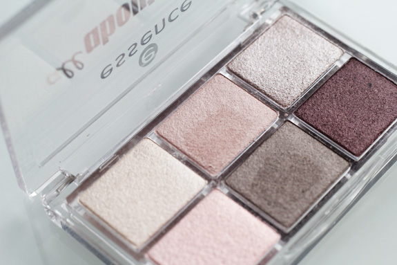 essence_all_about_nude_eyeshadow04
