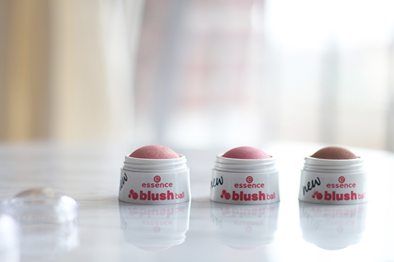essence_blush_ball11