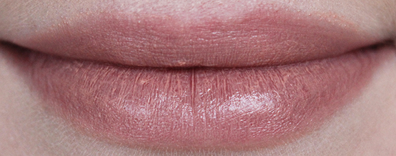 essence_longlasting_lipstick_nude08