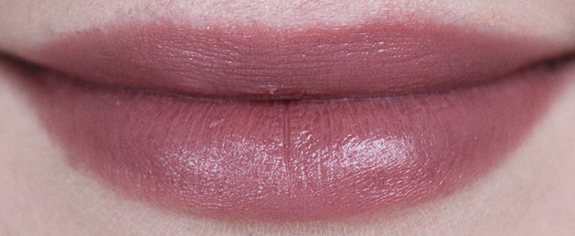 essence_longlasting_lipstick_nude10