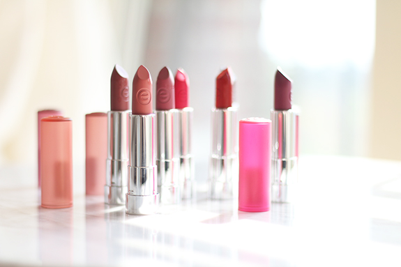 essence_matt_matt_matt_lipstick02
