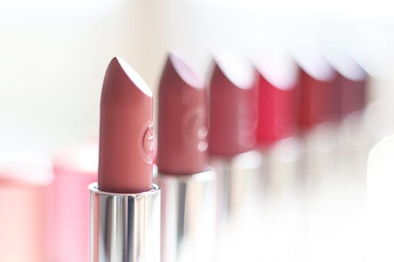 essence_matt_matt_matt_lipstick03