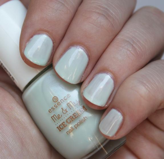 essence_me_my_ice_cream_nail_polish05