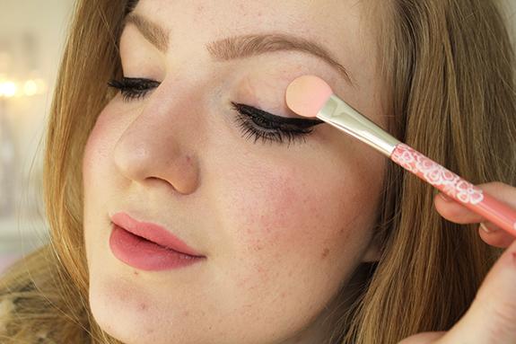 essence_powder_eyeshadow_blush_brush12
