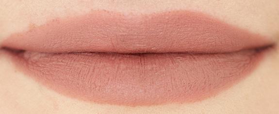 essence_velvet_matt_lipstick08