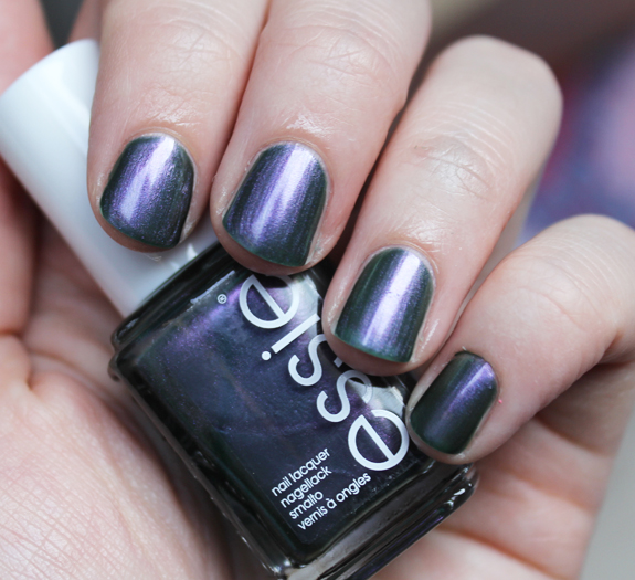 essie_for_the_twirl_of_it_herfst_2013_04