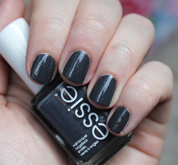 essie_for_the_twirl_of_it_herfst_2013_07