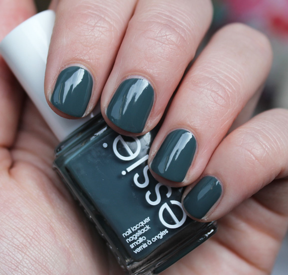essie_for_the_twirl_of_it_herfst_2013_09