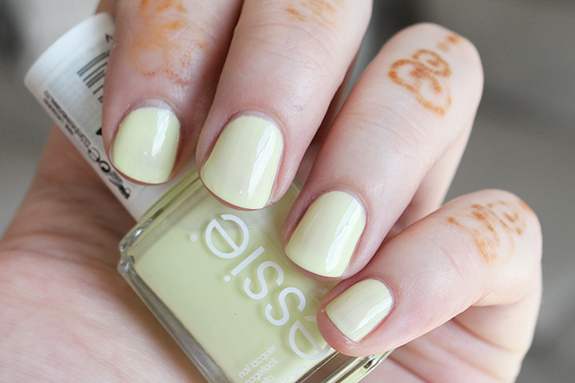 essie_zomer_nagellak_surfs_up05