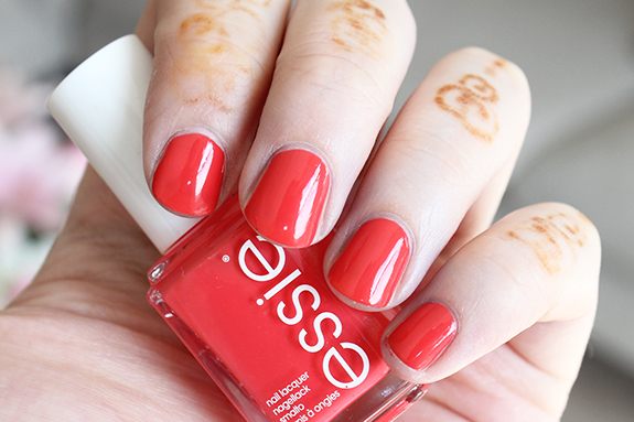 essie_zomer_nagellak_surfs_up06