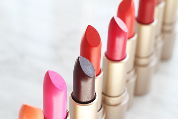 etos_colour_care_lipstick04