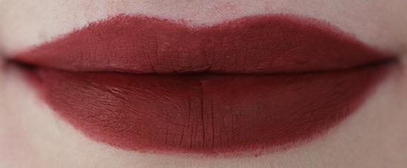 hema_lipstick_long_lasting_lipstick_moisturising_lipstick_donker06
