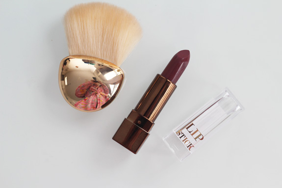 hm_blusher_brush_plum_lipstick03