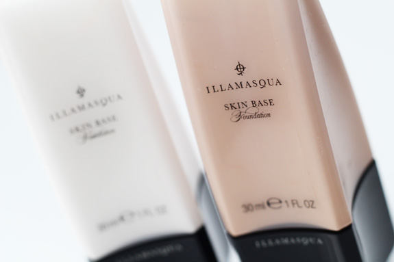 illamasqua_skin_base_foundation_wit_white03