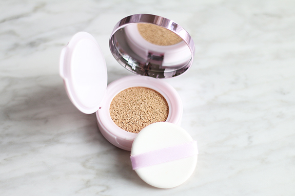 loreal_nude_magique_cushion_foundation08