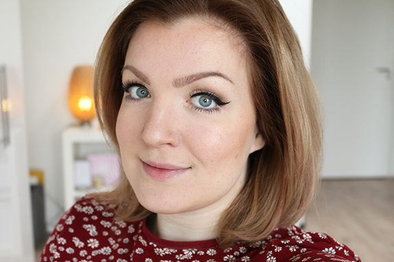 loreal_nude_magique_cushion_foundation10