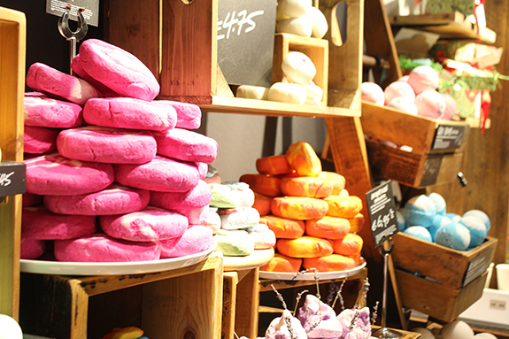 lush_amsterdam_centraal_station11
