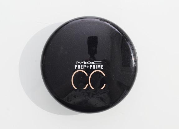 mac_cc_colour_correcting_compact_adjust03