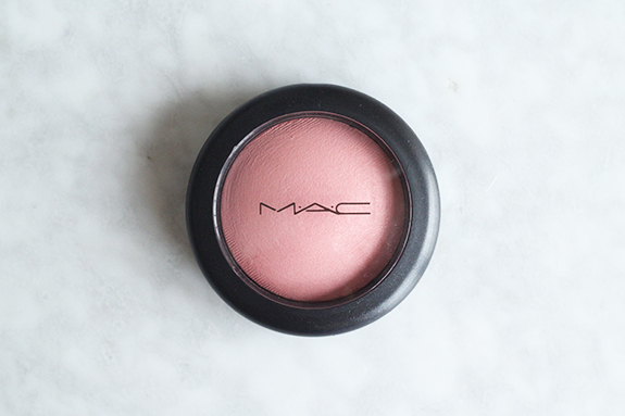 mac_mineralize_blush_dainty02