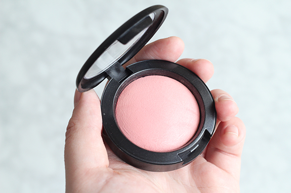 mac_mineralize_blush_dainty10