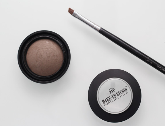 make-up_studio_brow_powder_blond03.jpg