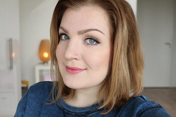 makeup_revolution_amazing_lipstick11