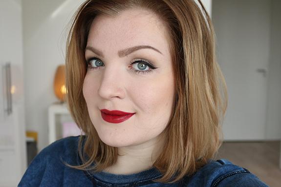 makeup_revolution_amazing_lipstick13