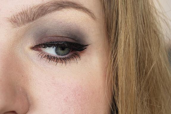 makeup_revolution_flawless_matte12