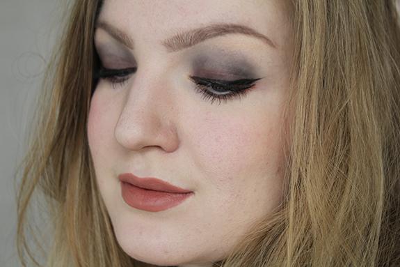 makeup_revolution_flawless_matte15