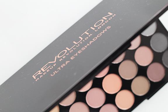 makeup_revolution_flawless_matte16