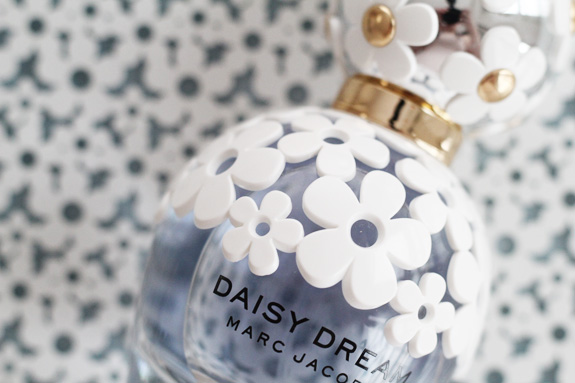 marc_jacobs_daisy_dream02