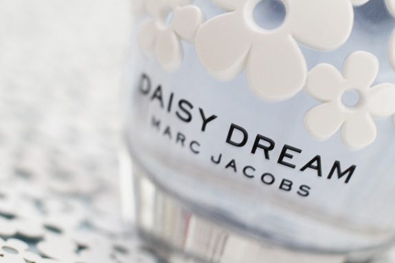 marc_jacobs_daisy_dream05