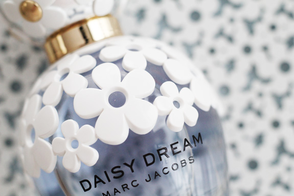 marc_jacobs_daisy_dream06
