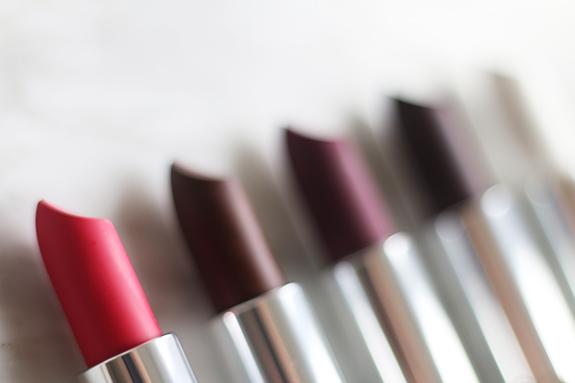 maybelline_color_sensational_loaded_Bolds_matte_lipstick04