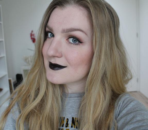 miss_sporty_extreme_black_zwarte_lipstick08