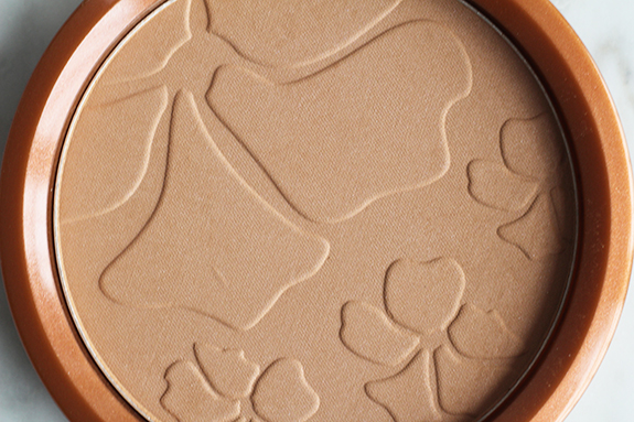 miss_sporty_tan_up_your_world_bronzing_powder05
