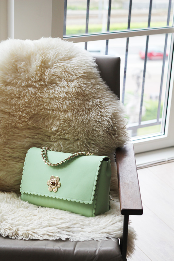 mulberry_cecily_flower_medium_mint03