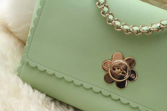 mulberry_cecily_flower_medium_mint04