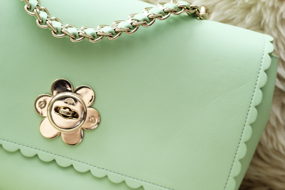 mulberry_cecily_flower_medium_mint07