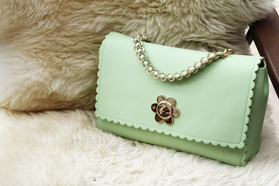 mulberry_cecily_flower_medium_mint09