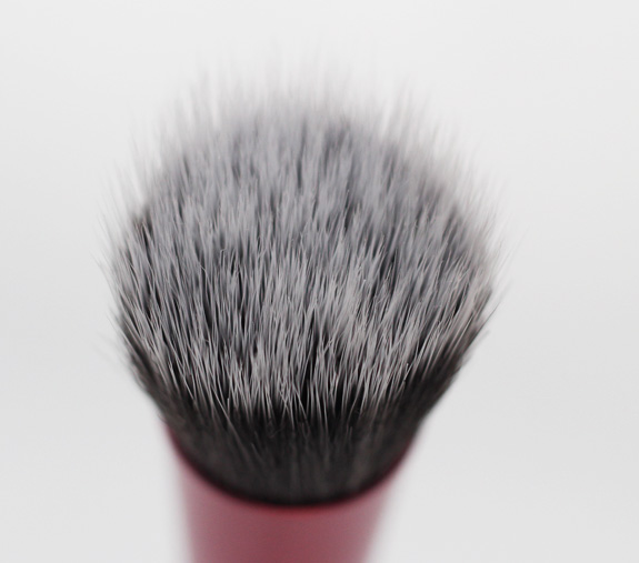 real_techniques_expert_face_brush_stippling_brush05